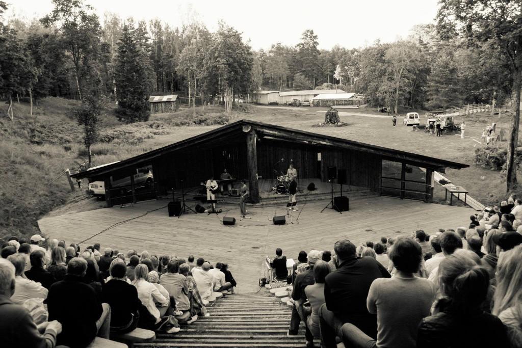Kalju-lava kontserdid www.kaljulava.ee Suvekontsertite paradiis