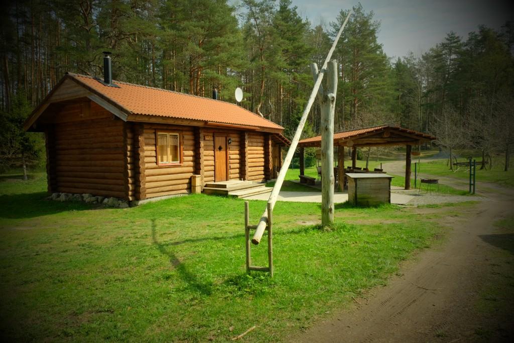 Sauna-Cottage Ella ja katusealune toy Kallaste Turismitalus Padisel Harjumaal - turism - puhkemaja - loomapark - seikluspark www.kallastetalu.ee