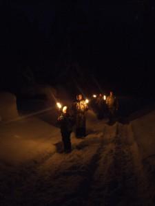 talvine Kloostimatk tõrvikutega Kallaste turismitalu www.kallastetalu.ee talvepakett