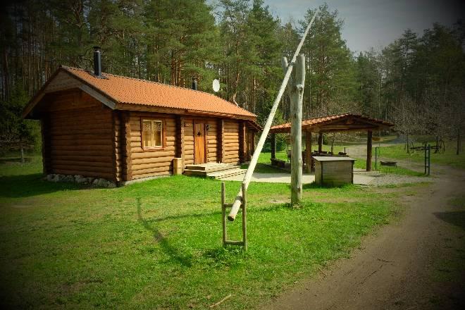 Ella ja katusealune toy Kallaste Turismitalus Padisel Harjumaal - turism - puhkemaja - loomapark - seikluspark www.kallastetalu.ee-opt