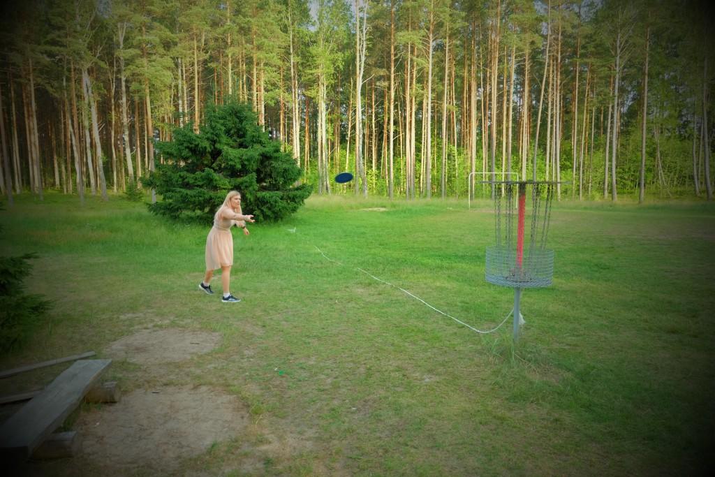 Padise disc-golf - 18 korvi ELAMUSTALU Padisel - vaid 45 km Tallinnast - KAllaste Turismitalu - ärksa hingega talu