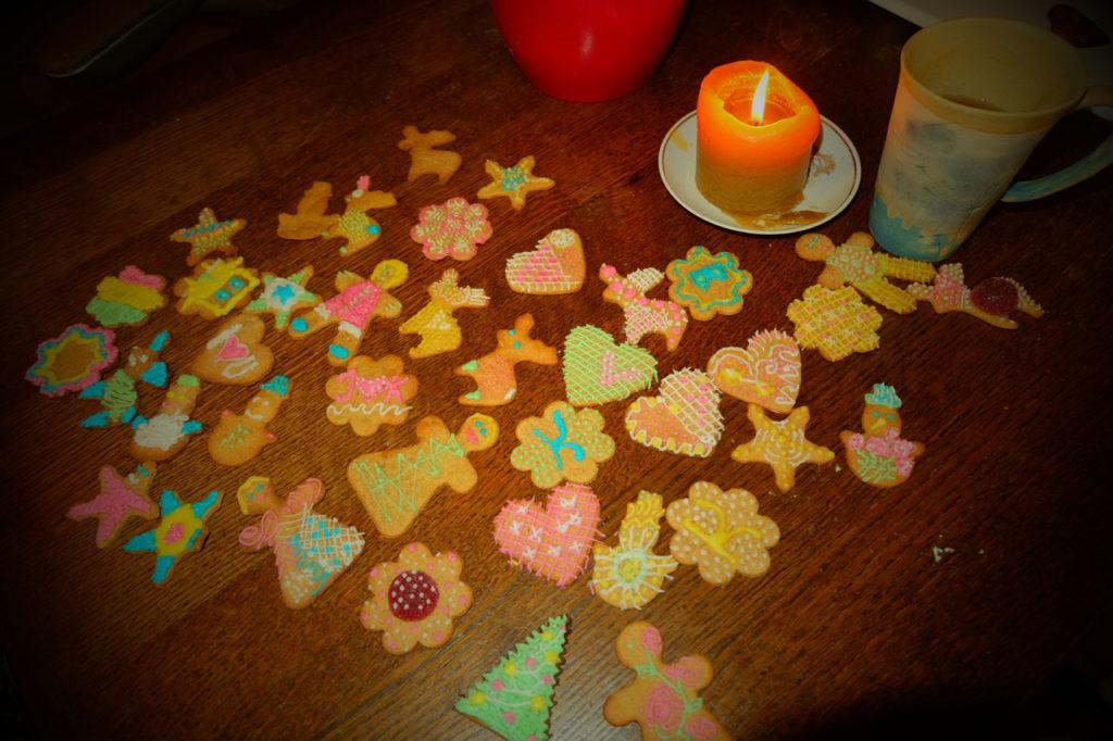 piparkoogid - jõulud - talv - talvepakett - aktiivne tegevus - piparkookide kaunistamine - talvevõlumaa