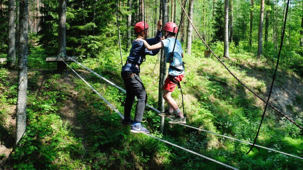 KLASSIPERE MEESKONNAPÄEV ÕPILASTELE - Kallaste Turisimitalu & Holidayresort - aktiivne puhkus - pakett