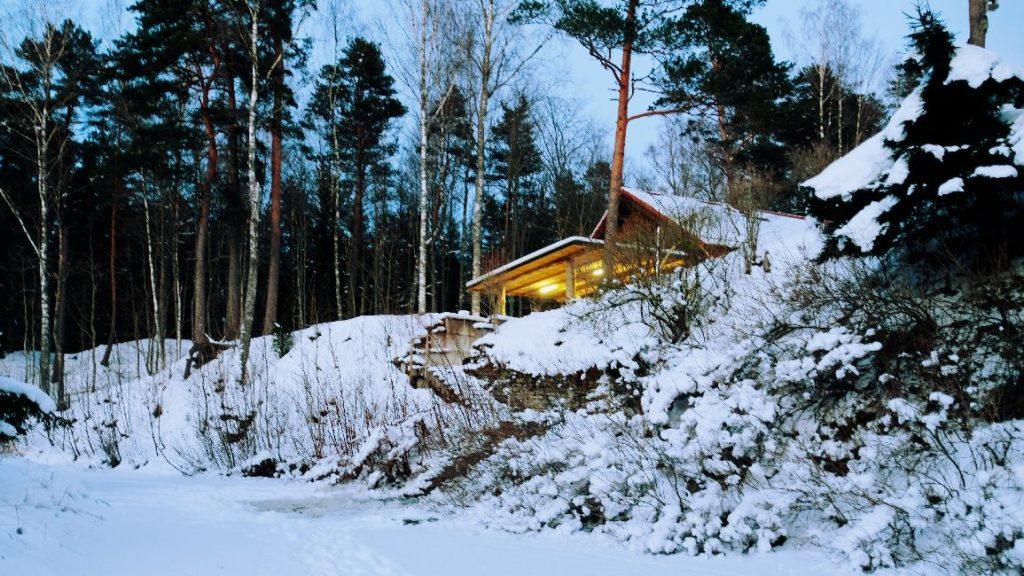 Kallaste Turismitalu talv kutsub - ELAMUSTALU Harjumaal - ettevõtte talvepäevad , jõulupidu, lumi. snow in Holiday resort in Estonia