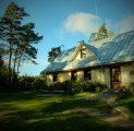 kallaste-turismitalu-peamaja-sgisel-imeline-valguse-mng-rksa-hingega-talu-wwwkallastetaluee