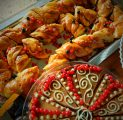 kook-ja-kringel-kalju-kohvik-kohupiima-imehe-ja-parimatest-toorainetest-telli-e-kohvikust-wwwkallastetaluee-kallaste-turismitalu-padisel