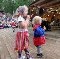 lapsed-kalju-laval-kalju-lava-suvekontsertide-paradiis-padisel-parimad-ritused-maitsev-toit-ja-imeline-loodus-ritused-kogu-perele-