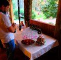 pulmad-kallaste-turismitalu-peamaja-suvesaal-rustic-fairy-wedding-talupulmad-eestimaine-imeline-loodus-tervituslaud-kallaste-talu