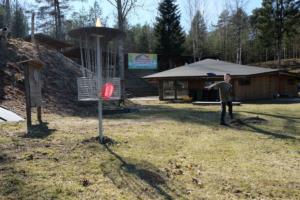 Disc-Golf aktiivne puhkus pere Kallaste Turimitalu www.kallastetalu.ee