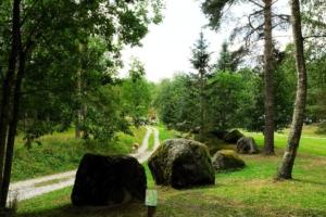 Kallaste Turismitalu www.kallastetalu.ee kivid tee loodus puhkus illustratiivne