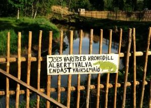 Kallaste Turismitalu www.kallastetalu.ee krokodill albert jõgi illustreeriv