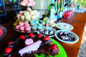 Koogid ja makroonid - Kalju-kohvik - kook - toit - kook
