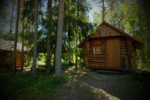 Tareke Berta ja Mari - nende vaheline lõkkeplats - accomodation in cottage - Kallaste Turismitalu Harjumaal - ärksa hingega talu - www.kallastetalu.ee