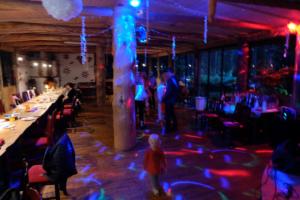 Suvesaali peoruum - peamaja saalid - ideaalsed pulmadeks , sünnipäevadeks, suvepäevadeks